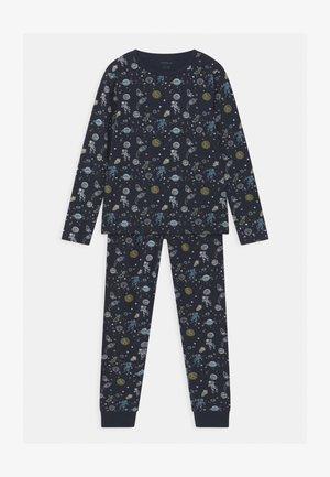 NKMNIGHTSET SPACE - Pyjama set - dark sapphire