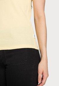 Marc O'Polo DENIM - Basic T-shirt - sunlight - 3