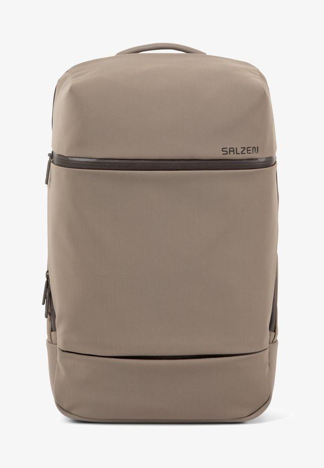 SAVVY RFID - Zaino - hammada brown