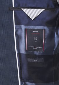 Tommy Hilfiger Tailored - PEAK LAPEL CHECK SUIT SLIM FIT - Oblek - blue - 9