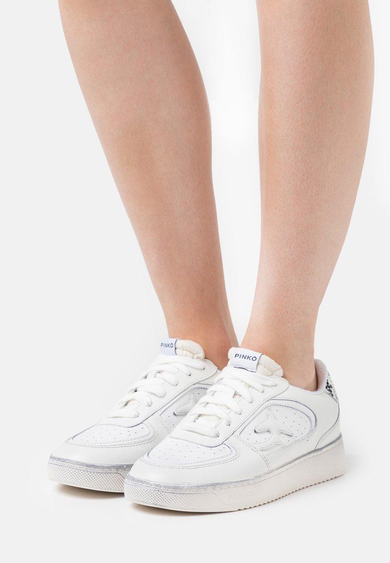 Pinko - LIQUIRIZIA - Trainers - white