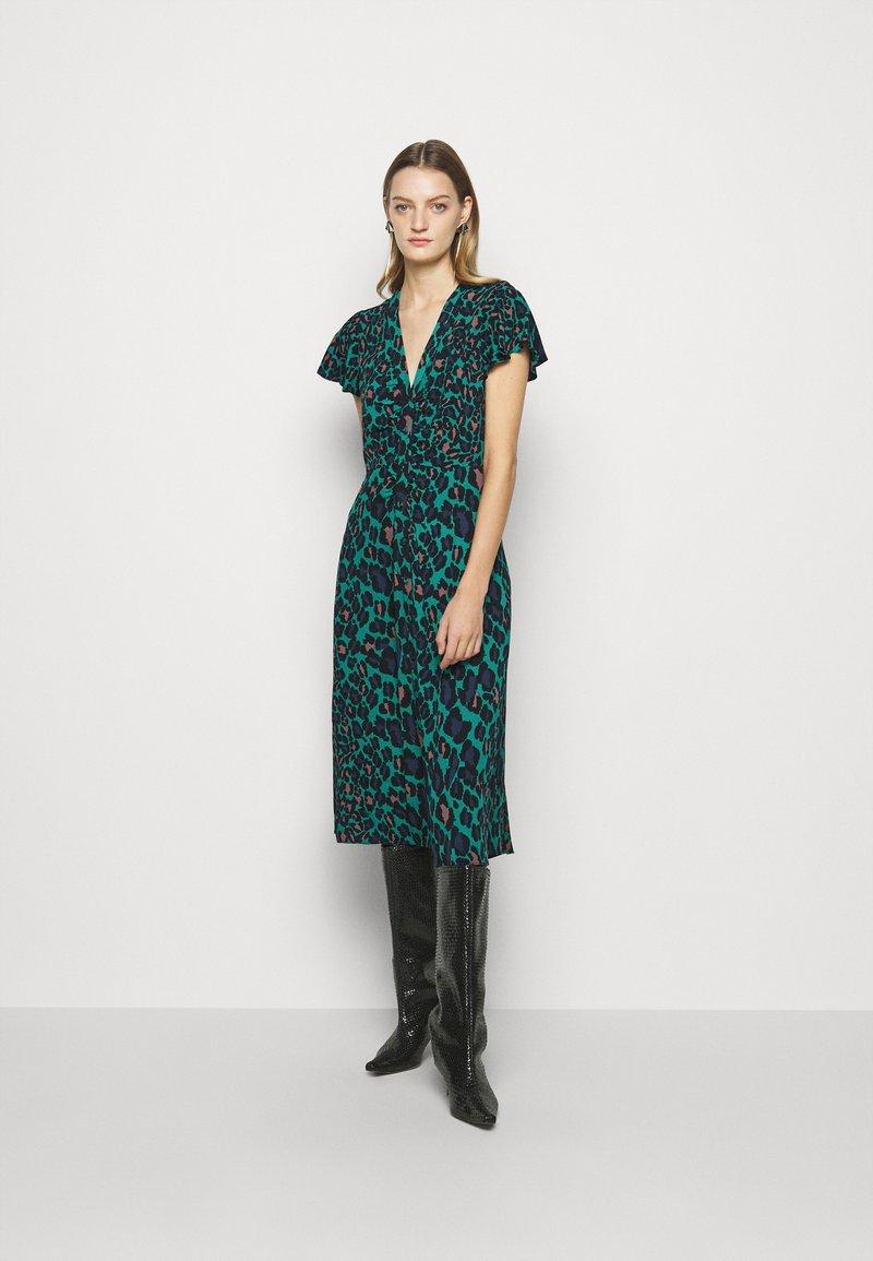 Diane von Furstenberg - CECILIA MIDI - Vapaa-ajan mekko - emerald