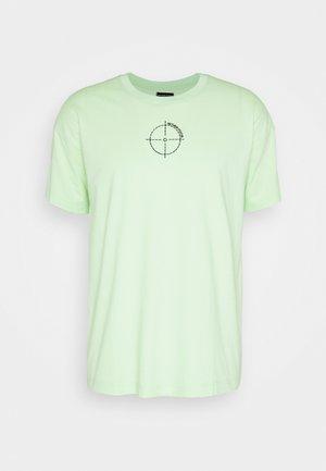 OVERSIZED UNISEX - Print T-shirt - patina green
