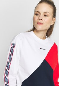 Champion - CREWNECK - Sweatshirt - white - 4