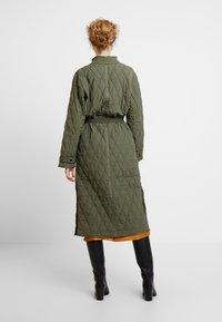 InWear - GURLI COAT - Zimní kabát - beetle green - 2