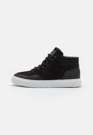 RESISTOR MID - Höga sneakers - black
