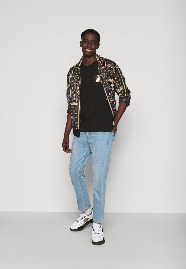 Versace Jeans Couture FOIL - T-shirt z nadrukiem - black/czarny Odzież Męska YIRL