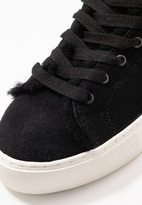UGG - BEVEN - Zapatillas altas - black - 2