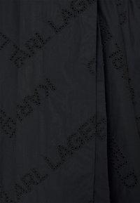 KARL LAGERFELD - LOGO EMBROIDERED SHIRT DRESS - Freizeitkleid - black - 2