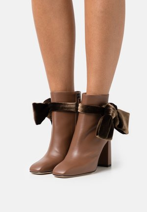 FLORA BOOTIE - High heeled ankle boots - chocolate
