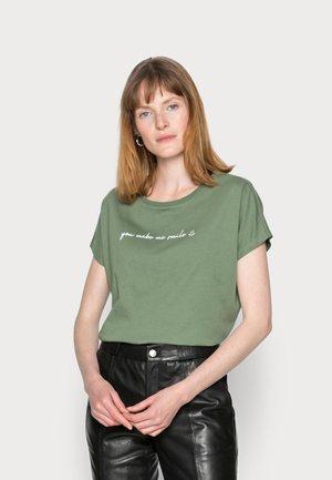 FRANCESCA - T-shirt imprimé - green