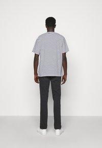 NN07 - KURT - T-shirt imprimé - navy stripe - 2