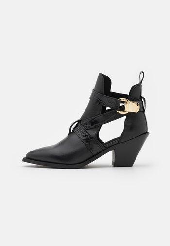 YASRICKA BOOTS - Cowboy/biker ankle boot - black