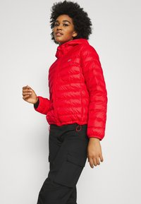 Levi's® - PACKABLE JACKET - Light jacket - poppy red - 3