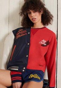 Superdry - COLLEGIATE GRAPHIC - Long sleeved top - drop kick red - 2