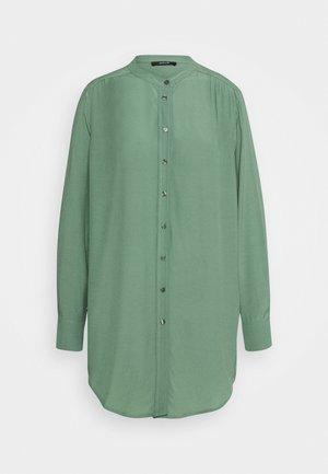 FEINKE - Shirt dress - green