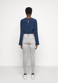 ONLY Tall - ONLMILA ANK - Jeans Skinny Fit - light grey denim - 2