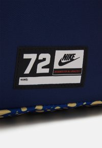 Nike Sportswear - CLASSIC UNISEX - Rucksack - citron pulse/blue void/white - 3