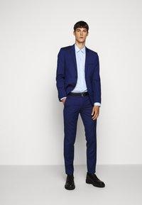HUGO - ELISHA - Formal shirt - light pastel blue - 1