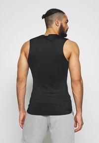 Nike Performance - M NP TOP SL TIGHT - Camiseta de deporte - black /white - 2