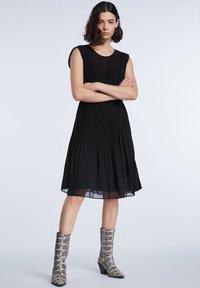 SET - TAILLIERTE - Day dress - black - 1