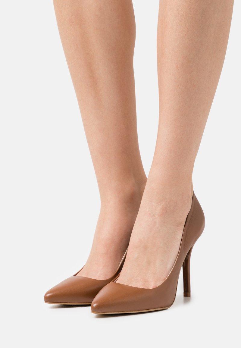 Zign - Classic heels - ochre