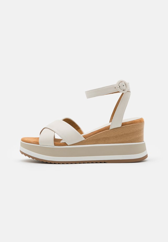 KADIO - Sandały na platformie - ivory