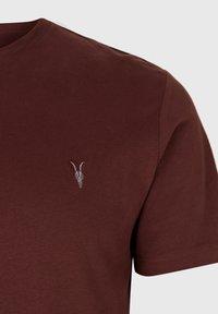 AllSaints - BRACE - Basic T-shirt - red - 3