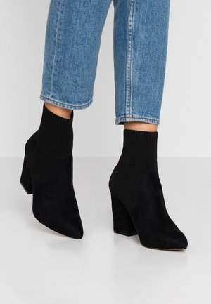 LIIVI - Classic ankle boots - black