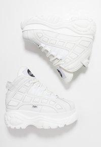 Buffalo London - Sneaker high - blanco - 3