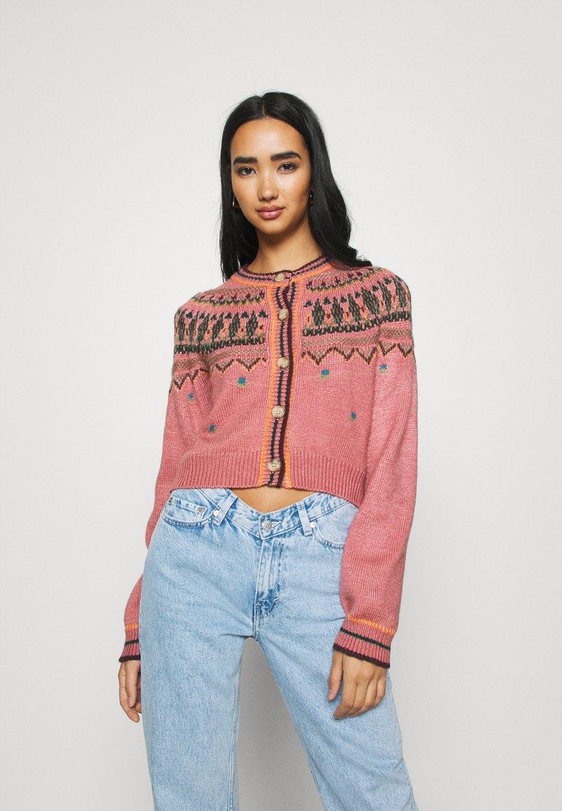 BDG Urban Outfitters - YOKED RAGLAN  - Strickjacke - pink