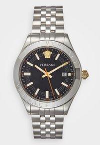 Versace Watches - HELLENYIUM - Zegarek - silver-coloured/black - 0