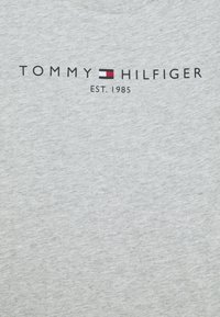 Tommy Hilfiger - ESSENTIAL TEE  - Printtipaita - grey - 2