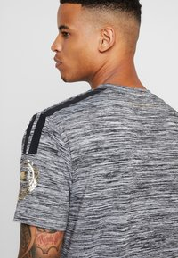 Supply & Demand - HOLT  - T-shirts print - grey marl - 3