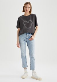 DeFacto - OVERSIZED - Print T-shirt - anthracite - 1