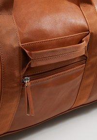 YOURTURN - Weekend bag - cognac - 7