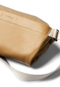 Bellroy - SLING PREMIUM - Bum bag - desert - 5