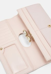 Ted Baker - TEARDROP CRYSTAL BOBBLE MATINEE - Lommebok - light pink - 3