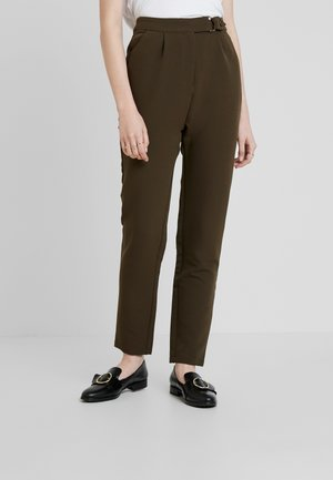 UTILITY STYLE MILITARY TROUSER - Trousers - green