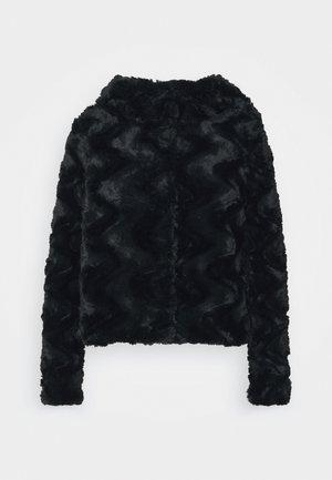 VMCURL HOODY JACKET - Lehká bunda - black
