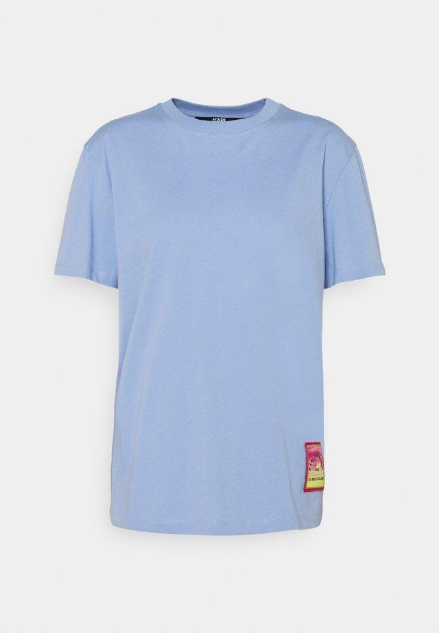SURF PATCH - Print T-shirt - bluebell