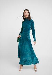 House of Holland - SNAKE DEVORE ASYMMETRIC DRESS - Occasion wear - teal - 1