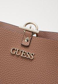 Guess - Shoppingveske - taupe/blush - 3