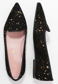 Pretty Ballerinas - NAMASTE - Nazouvací boty - black - 3