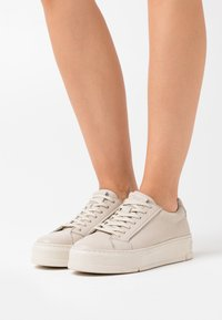 Vagabond - JUDY - Sneakersy niskie - plaster - 0