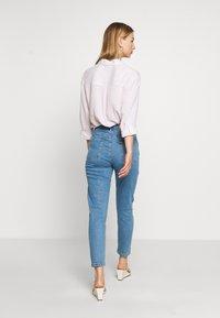 Afends - BLONDIES - Slim fit jeans - classic blue - 2