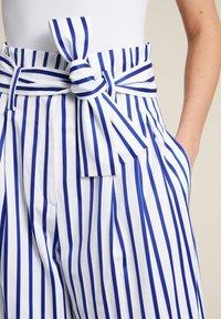 Luisa Spagnoli - Trousers - bianco/righe azzurre - 2