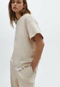 Massimo Dutti - Basic T-shirt - beige - 2