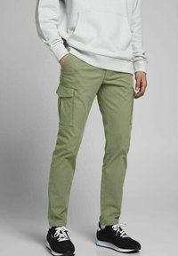 Jack & Jones - Cargo trousers - deep lichen green - 0