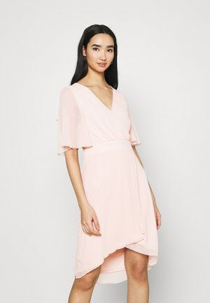 VIRILLA 2/4 SLEEVE DRESS - Cocktailklänning - rose smoke